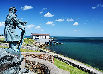 Dick Evans statue and Lifeboat station