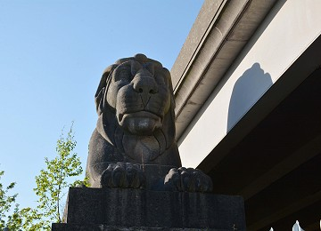 One of the four britannia bridge lions