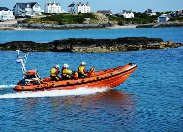 Trearddur Bay lifeboat out on exercise