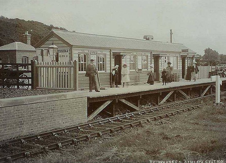 L/&NWR. Holland Arms Line 3 Red Wharf Bay /& Benllech Railway Station Photo